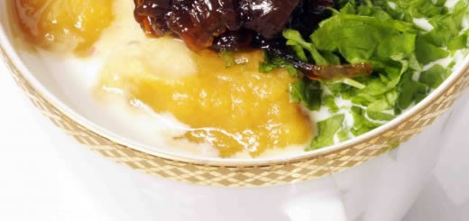 Krem z słodkich ziemniaków z konfiturą cebulową - Szybko Tanio Smacznie